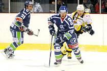 Krajská hokejová liga: HC Wikov Hronov - Stadion Nový Bydžov.