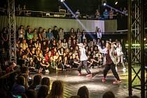 Dance Floor Attack v královéhradeckém Aldisu.