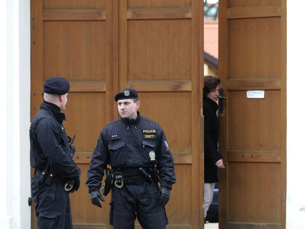 V centru Hradce Králové došlo k tragickému střeleckému útoku.