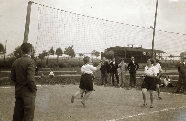 Počátky volejbalu vUSA 1895.