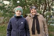Vnuk David a babička Iveta z Černožic.