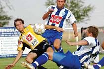 Hradečtí fotbalisté remizovali s Čáslaví 1:1.