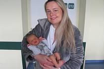 YUNIS BARKA se narodil 17. dubna ve 21.20 hodin. Svými 50 centimetry a 3190 gramy potěšil maminku Pavlínu, tatínka Ayada a bratra Yasina z Hradce Králové.