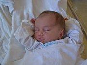 LAURA KUBCOVÁ se narodila 7. srpna ve 21:50 mamince Andree Kovářové a tatínkovi Miroslavovi Kubcovi z Byzhradce. Holčička vážila 2720 gramů a měřila 48 cm. Tatínek byl u porodu oběma velkou oporou. Doma se těšily Deniska a Ellen.