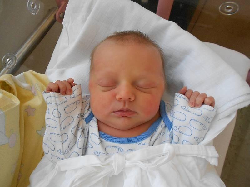 ANEŽKA ZAJÍCOVÁ se narodila 28. září v 17.18 hodin. Po narození vážila 2830 g. Svým příchodem na svět potěšila své rodiče Zuzanu a Františka Zajícovy z Pohoří. Tatínek to u porodu zvládl skvěle.