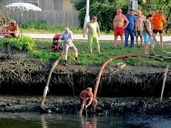Výlov rybníka v Chudonicích.