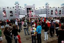 Festival elektronické taneční hudby Pleasure Island na hradeckém letišti, sobota 24. července 2010.