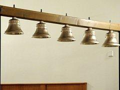 Vysvěcení zvonů unikátní zvonohry v Hradci Králové.