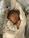 ELIÁŠ KRATOCHVÍL se narodil 5. prosince 2018 v 00.30 hodin. Měřil 50 cm a vážil 3340 g. Radost udělal svým rodičům Janě a Marku Kratochvílovým z Hradce Králové. Doma se těší dvou a půlroční bráška Alex.
