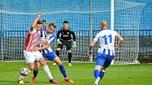 Fotbalisté Kosmonos se dočkali první venkovní výhry v sezoně.