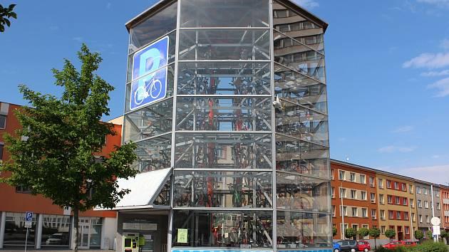 Cyklověž u hradeckého nádraží.