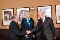 Podpis koaliční smlouvy v Hradci Králové 2018