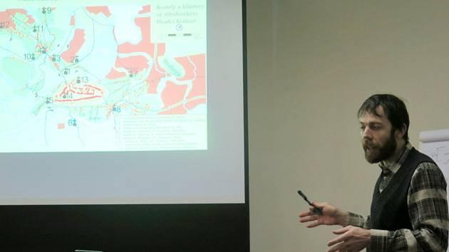 Hradečané, jejich řeky a mosty v minulosti - přednáška Radka Bláhy, archeologa Muzea východních Čech.