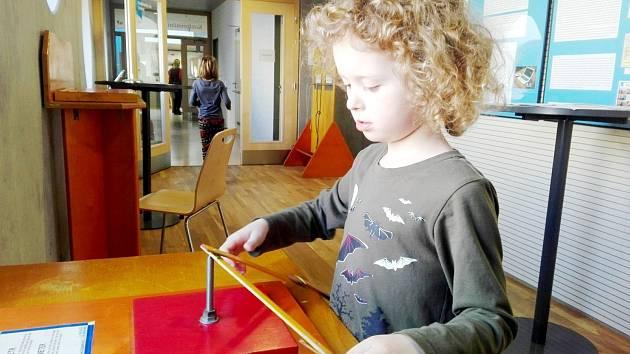 Nadané děti z Mensa klubu na výstavě iQparku.