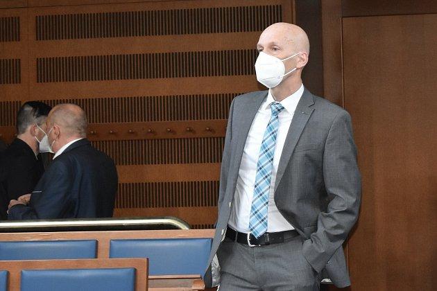 Mezi obžalovanými je ibývalý ředitel Správy KRNAP Jan Hřebačka.