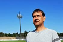 POD LÍZÁTKY. Šéftrenér mládežnické základny FC Hradec Aleš Čvančara.