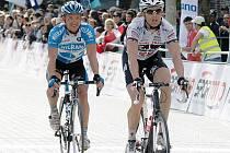 Cyklista kráklovéhradecké stáje PSK Whirlpool-Author Danilo Hondo (vpravo).