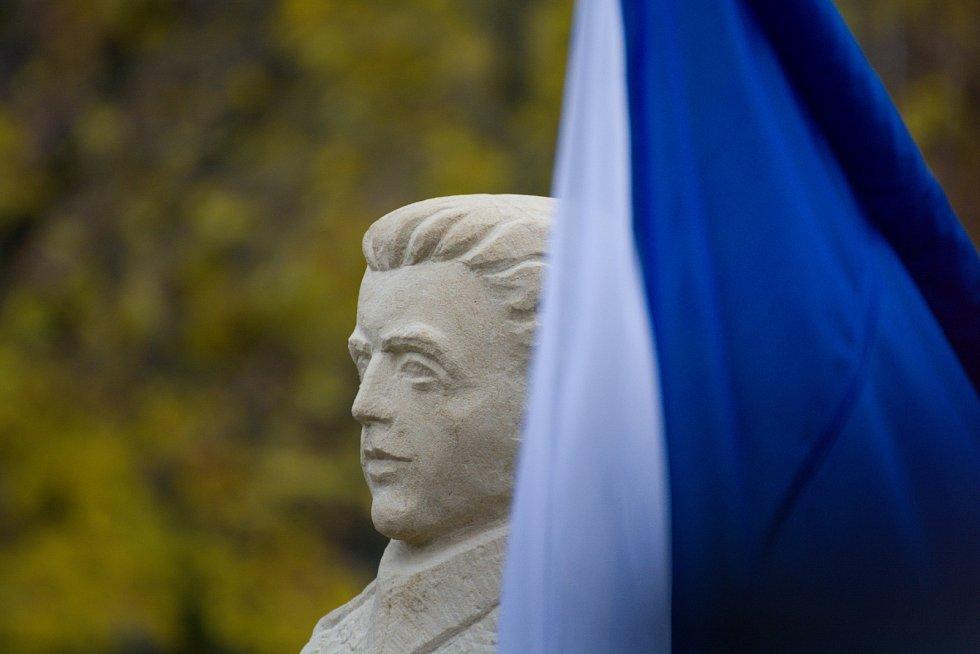 Odhalení busty Josefa Šandery, velitele skupiny Barium
