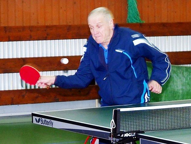 Klání tělesně postižených stolních tenistů Opohár města Hradec Králové.