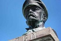 Busta TGM na Šerlichu v Orlických horách