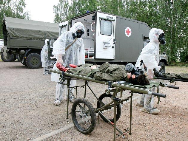 Ukázka zčinnosti vojenské polní nemocnice.
