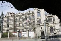 Rekonstrukce bývalého ústavu hluchoněmých na Pospíšilově třídě v Hradci Králové.