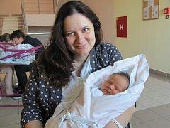 ANETA ODVÁRKOVÁ se narodila 26. června v 7.18 hodin. Po narození měřila 54 centimetrů, vážila 3880 gramů a potěšila rodiče Jitku a Tomáše Odvárkovi z Hradce Králové.