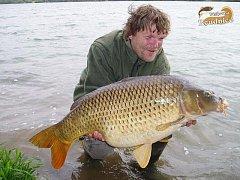 Rybáři v roudnické pískovně chytili 18-kilového kapra či 28-kilového jesetera.