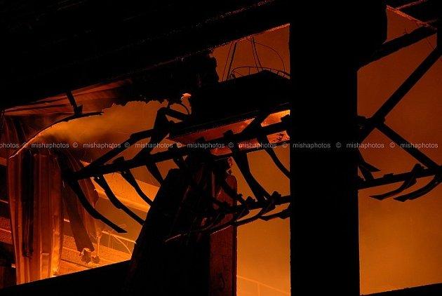 Jednotky z Jaroměře  vyjely na požár skladováku píce. Předběžná škoda byla odhadnuta na 24 milionů korun