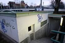 Veřejných záchodků má Hradec Králové žalostně málo