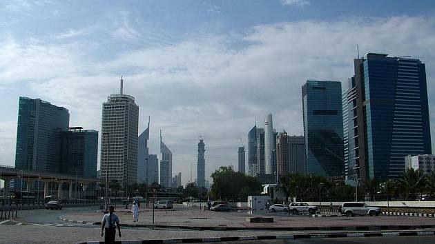 Z cest Kateřiny Slovákové: nejznámější dubajské mrakodrapy Emirates towers