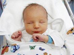 Filip Souček se narodil 30. listopadu v 9.39 hodin. Měřil 55 centimetrů a vážil 4320 gramů. S rodiči Lucií a Michalem a sestrou Aničkou bydlí v Brzicích.
