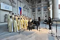Královéhradečtí senioři zavítali na senátní koncert.