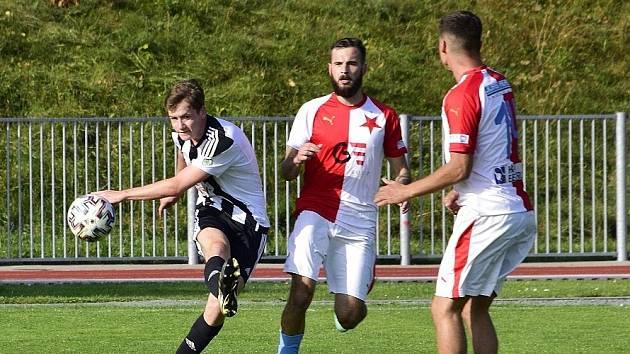 Fotbalisté Rychnova na hradeckou Slavii nestačili.