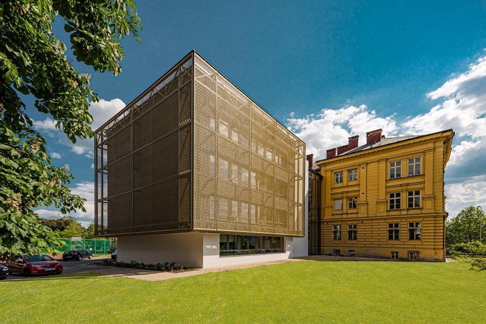 Stavební úpravy a přístavba budovy Biskupského gymnázia v Hradci Králové