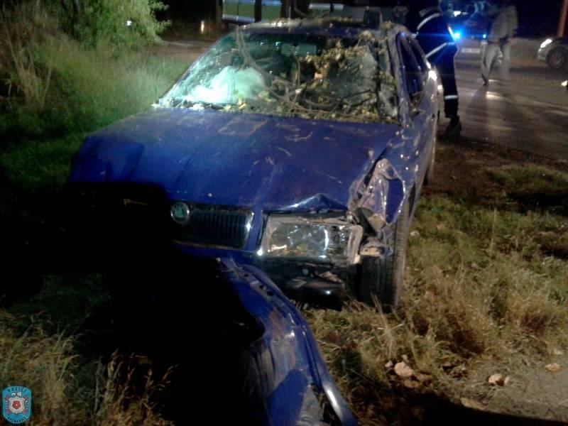 Havárie osobního automobilu u obce Nerošov na Nechanicku.