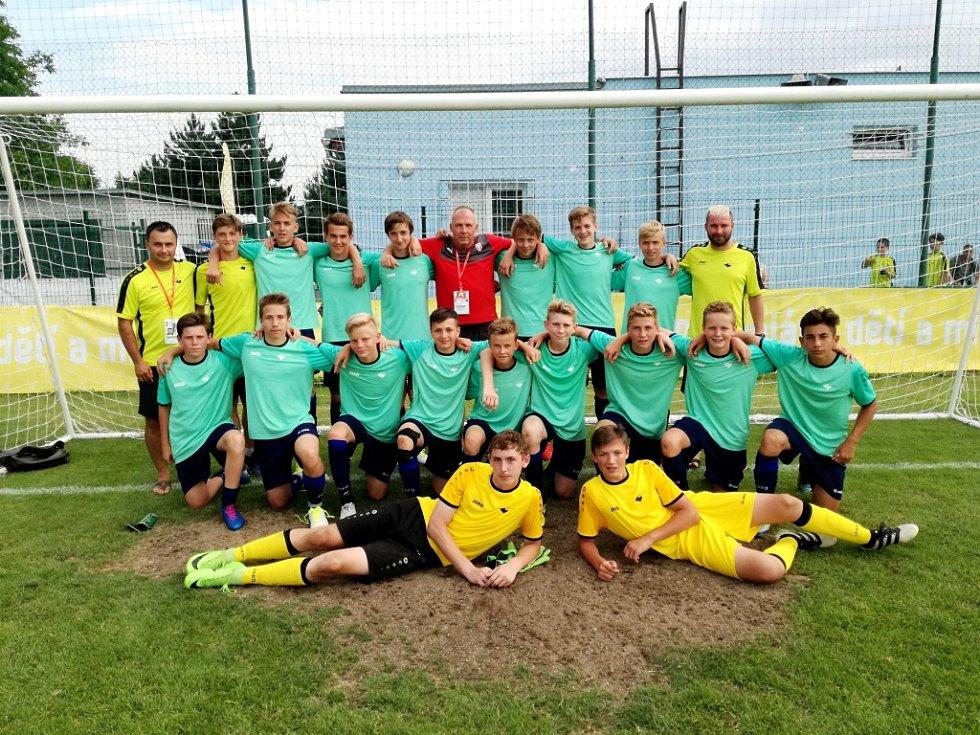 Fotbalisté Královéhradeckého KFS U14 v Brně.