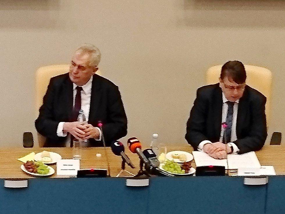 Prezident Miloš Zeman v sídle krajského úřadu.
