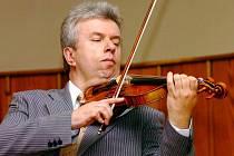 Jaroslav Svěcený, houslový virtuóz