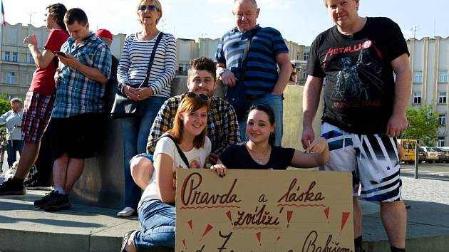 Proč? Proto! aneb Demonstrace proti Andreji Babišovi a Miloši Zemanovi v Hradci Králové.