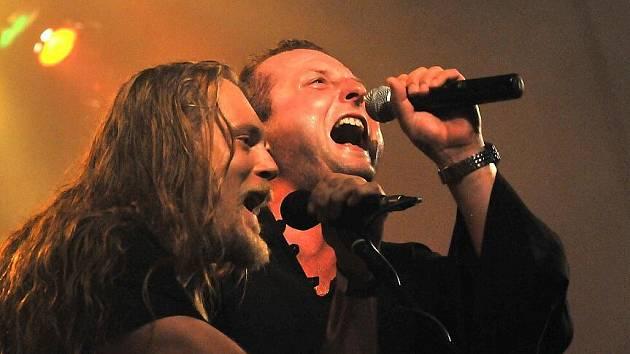Koncert skupiny Komunální odpad ve Výravě v pátek 21. srpna 2009.