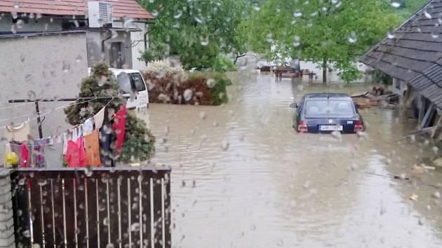 Záplavy v okolí Třebechovic pod Orebem.