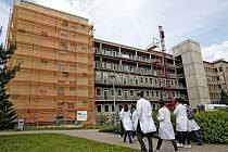 Rekonstrukce dětské kliniky ve Fakultní nemocnici Hradec Králové.