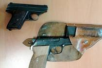Zajištěné zbraně.
