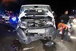 Dopravní nehoda dodávky a osobního automobilu u Třebechovic pod Orebem.