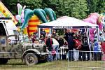 Sebeobrana, výcvik služebních psů, práce hasičů, policistů, zkrátka složky celého bezpečnostního systému se předvedly 27. května 2010 dětem v Šimkových sadech.