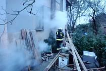 Požár ve sklepě rodinného domu v Novém Bydžově.