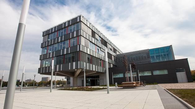 Otevření nové budovy královéhradeckého kampusu Univerzity Karlovy pro Lékařskou a Farmaceutickou fakultu UK.