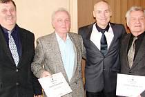 Zleva: Václav Nidrle (předseda KVS), Miloš Kuželka (Dřevěnice), Zdeněk Haník (předseda ČVS), Miroslav Dolek (Vamberk).