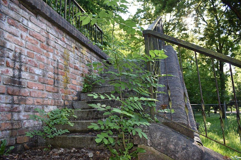 Severní terasy v centru Hradce Králové jsou v zoufalém stavu.